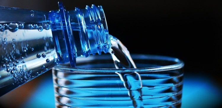 Станьте моложе - действие №2: Пейте больше воды.